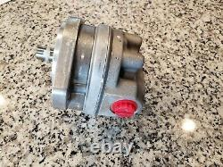 NEW EATON VICKERS 26004-RZG Gear Pump, Displace 0.66, GPM 8.9, Right SHIPS FAST